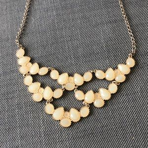 Beautiful statement necklace!